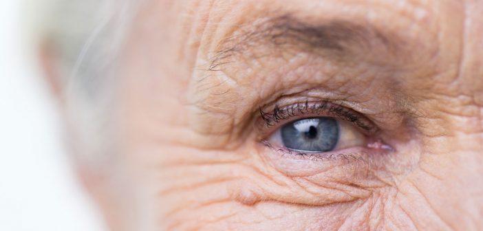 closeup-eye-social-media